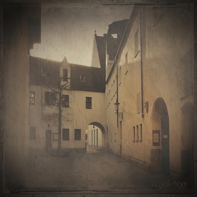 Anna Courtyard